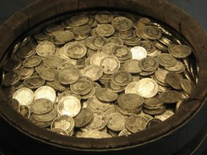 Q150 100枚の金貨
