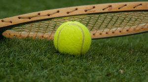Q297 テニスのダブルス